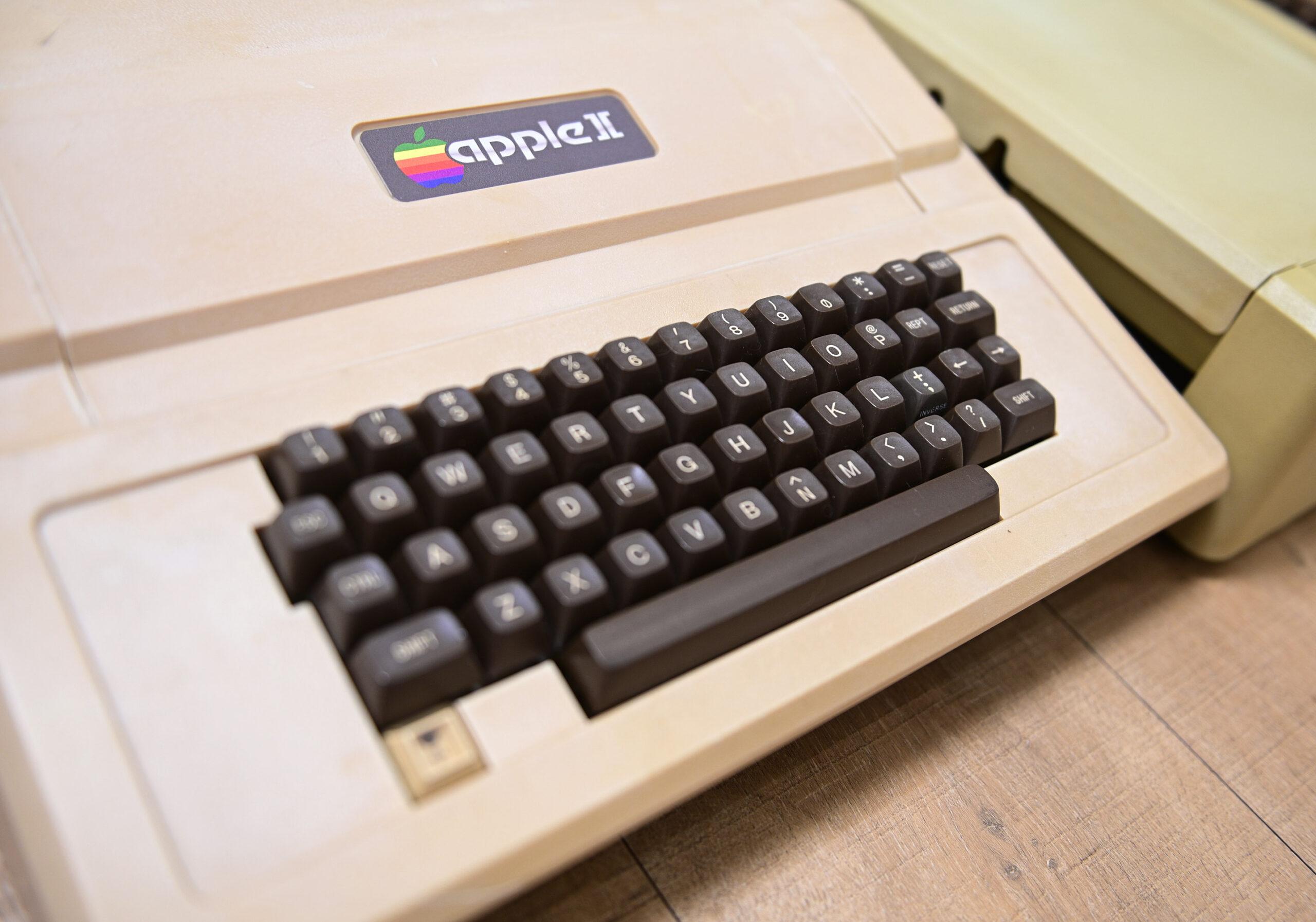 Apple II 的影子——仿制机